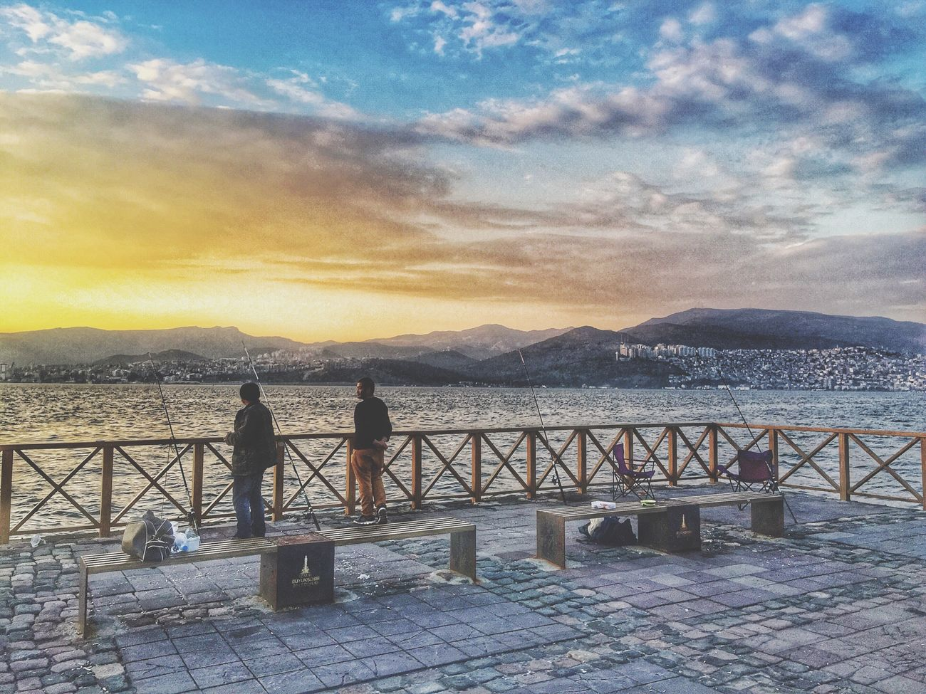 Photo Sunset Outdoors IPhoneography Geziyorum Gezmeler Streetphotography Fotografvakti Cloud - Sky Foto Fotography Fotografia Fotografheryerde Iphoneonly Izmir Izmirlife Izmirdeyasam Izmir Turkey Izmir ❤ Kordon Turkey Türkiye İzmir Alsancak 😊 Alsancak Alsancak Kordon