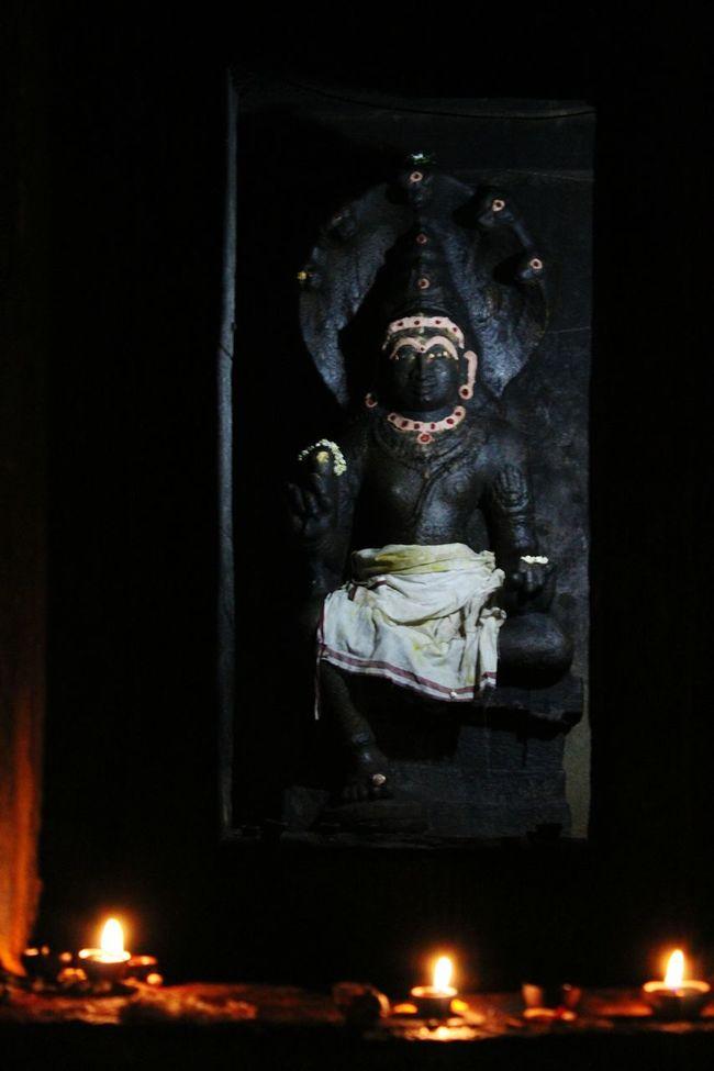 Indiangod Dark Illuminated Ancient Architercture Ancient Temple Indiansculpture 1000 AD Veryold Granite Sculpture Sculpture Stone Statue Night Nightphotography Thanjavur Thanjai Thanjavurtourism Thanjavur_Tamil Nadu