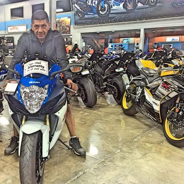 He just couldn't have one! Bye Gsxr!💳💵💨 Yamaha Kawasaki Suzuki Triumph Ducati Ktm Wheelie R1 R6  Moto Panigale Motogp S1000rr SuperSport Sportbike Gsxr Zx6r Cbr Bmw Motorbike Supermoto Motorcycle Ninja Honda Love picoftheday s1k 636