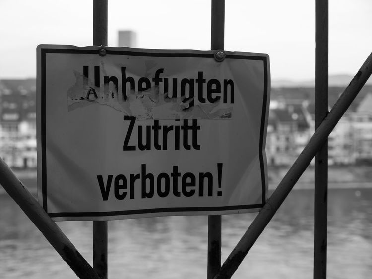 Zutritt verboten! No entry! Communication Fence Information Interdiction No Entry Prohibition Selective Focus Sign Unauthorized Unbefugt Warning Sign Zutritt