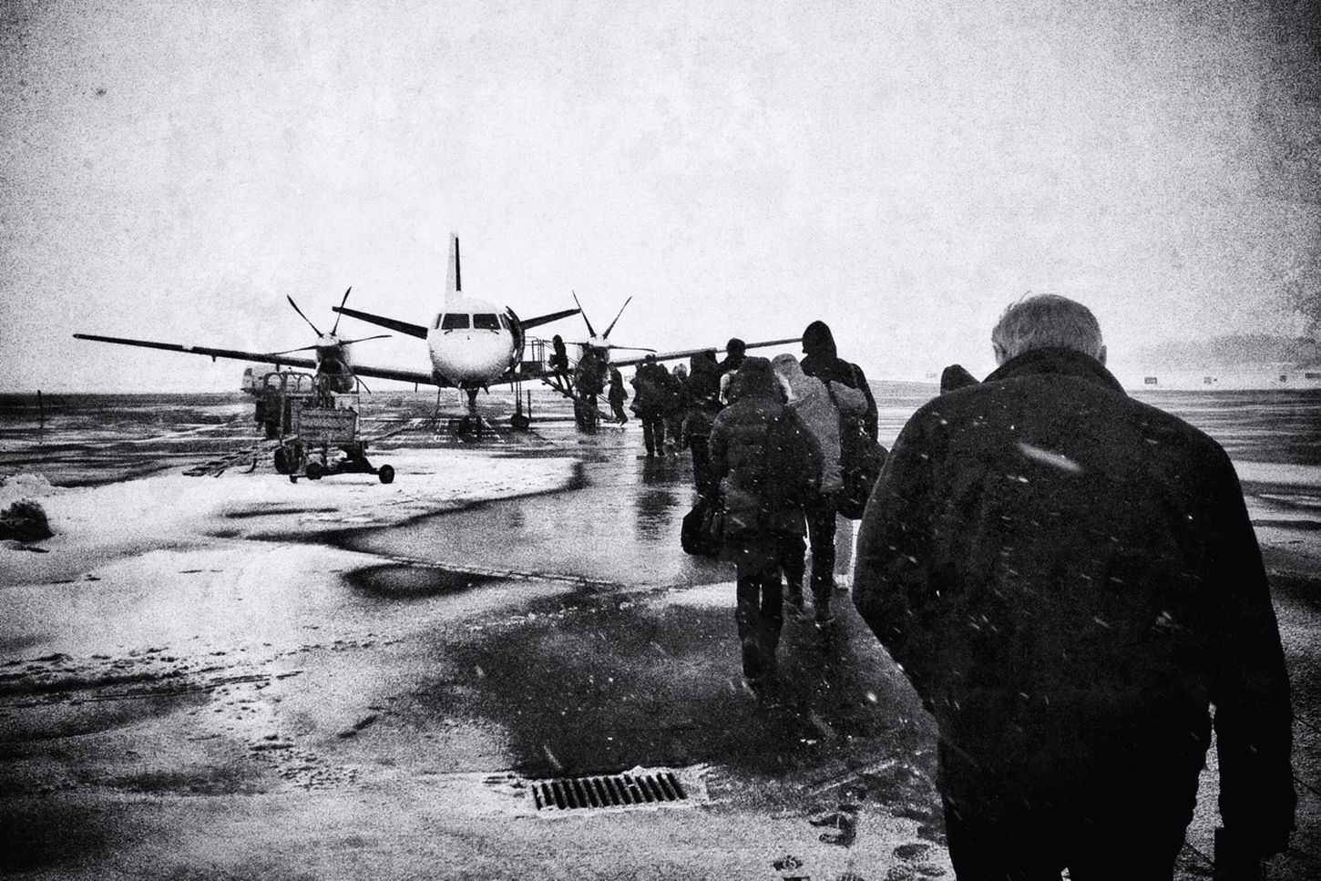 Boarding Blackandwhite At The Airport