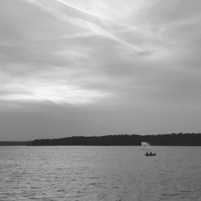 Water Sunset Beauty In Nature NatureBnw_collection Bwn_life Mobile_art Bw_lover 1415mobilephotographers Bw_divine Bwn_globe Lubiepolske Awesome Blackandwhite People Igerssilesia Igerspoland Artystycznapodroz Shootermag Tychy Paprocany Jezioro Rybacy łódka