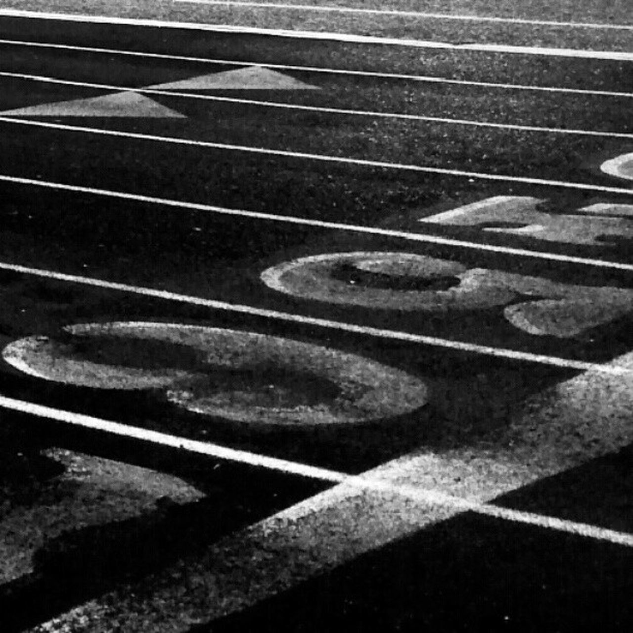 sport, no people, exercising, competition, day, running track, sports track, strength, outdoors, full frame, shadow, sports venue, close-up, competitive sport, healthy lifestyle, court, stadium, guitar, racket sport, tennis