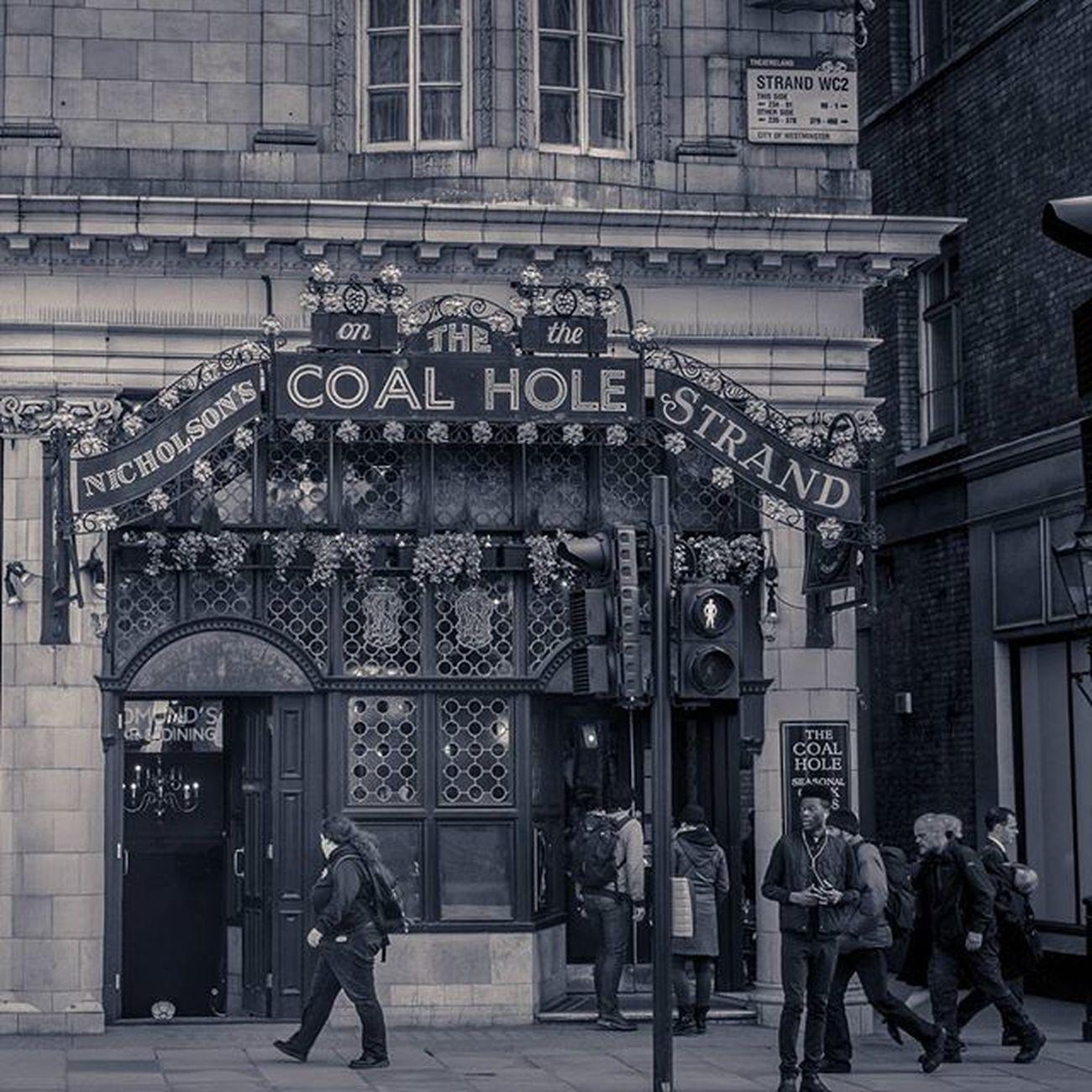 The Coal Hole on The Strand Thecoalhole London Uk Cityscapes Sonyrx100iv Lightroom Travelgram Photos Pub Blackandwhitephoto