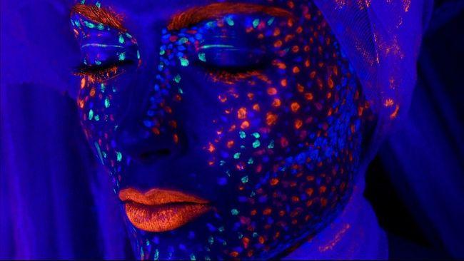 Bodypainting Shooting Wonderful Shooting Day Canonphotography Light Modelshoot  Mood Captures Makeup Portrait Of A Woman Ritratti Arte Studio Shoot Shooting Photos BlueEyes