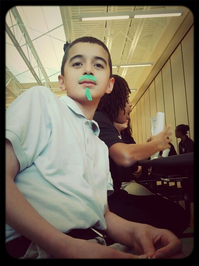 haha raul with his mustaches xD