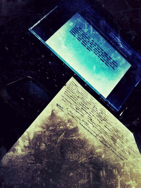 Klavyede yazı yazmayı unutmuşum ama şükür ki hala kurşunum, kalemim ve beyaz kağıdım var... Taking Photos paper grunge computer helloworld eye4photography  by Sinemis Koç