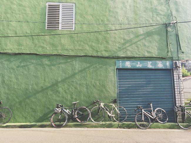 夏日風情 Enjoying The View Morning On The Road Summer Bikes