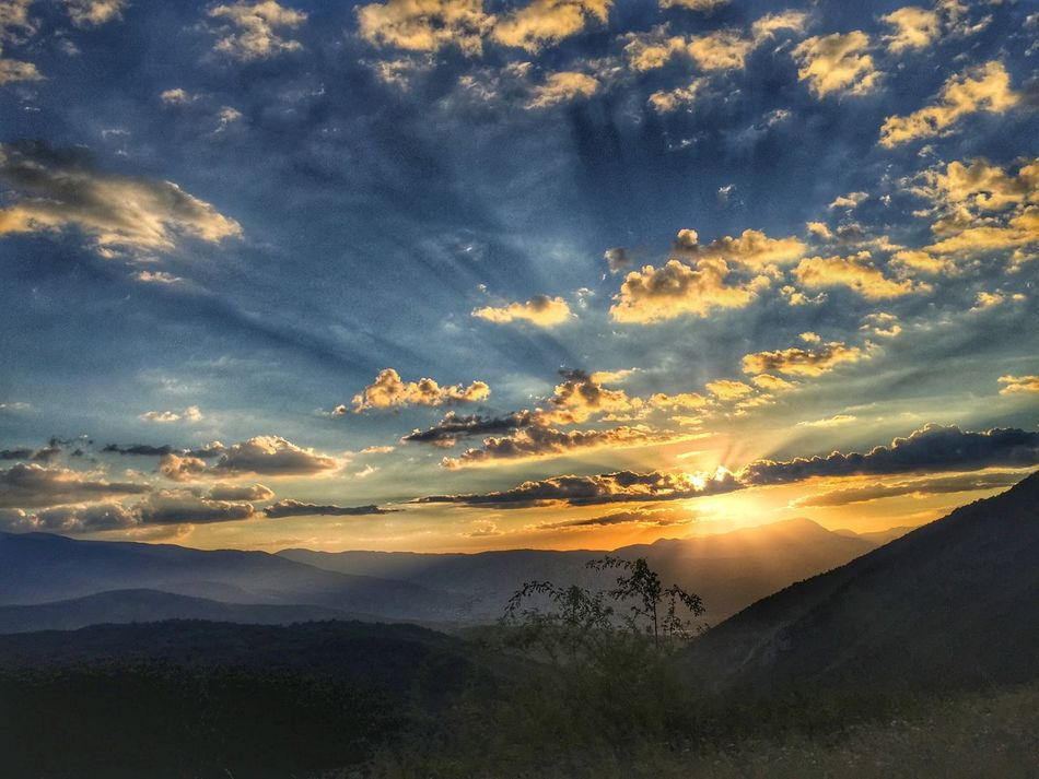 ..ad un passo dal Paradiso 🌥 Scenics Beauty In Nature Sunset Nature Tranquility Cloud - Sky Sky Mountain Idyllic Mountain Range Landscape No People Outdoors Silhouette Day