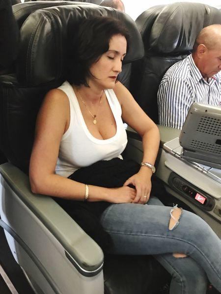 Tired Women Flight Firstclass Bogotá Avianca