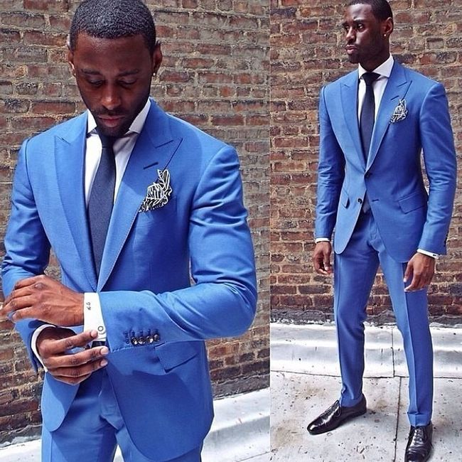 I need more suits! Mensstyle Luxury Lavishliving Millionaire_lifestyle Fashion Fashionblogger Styleblogger Yrflifestyle Suits  Wallstreet StockTrader Pennystocks Daytrader Tie