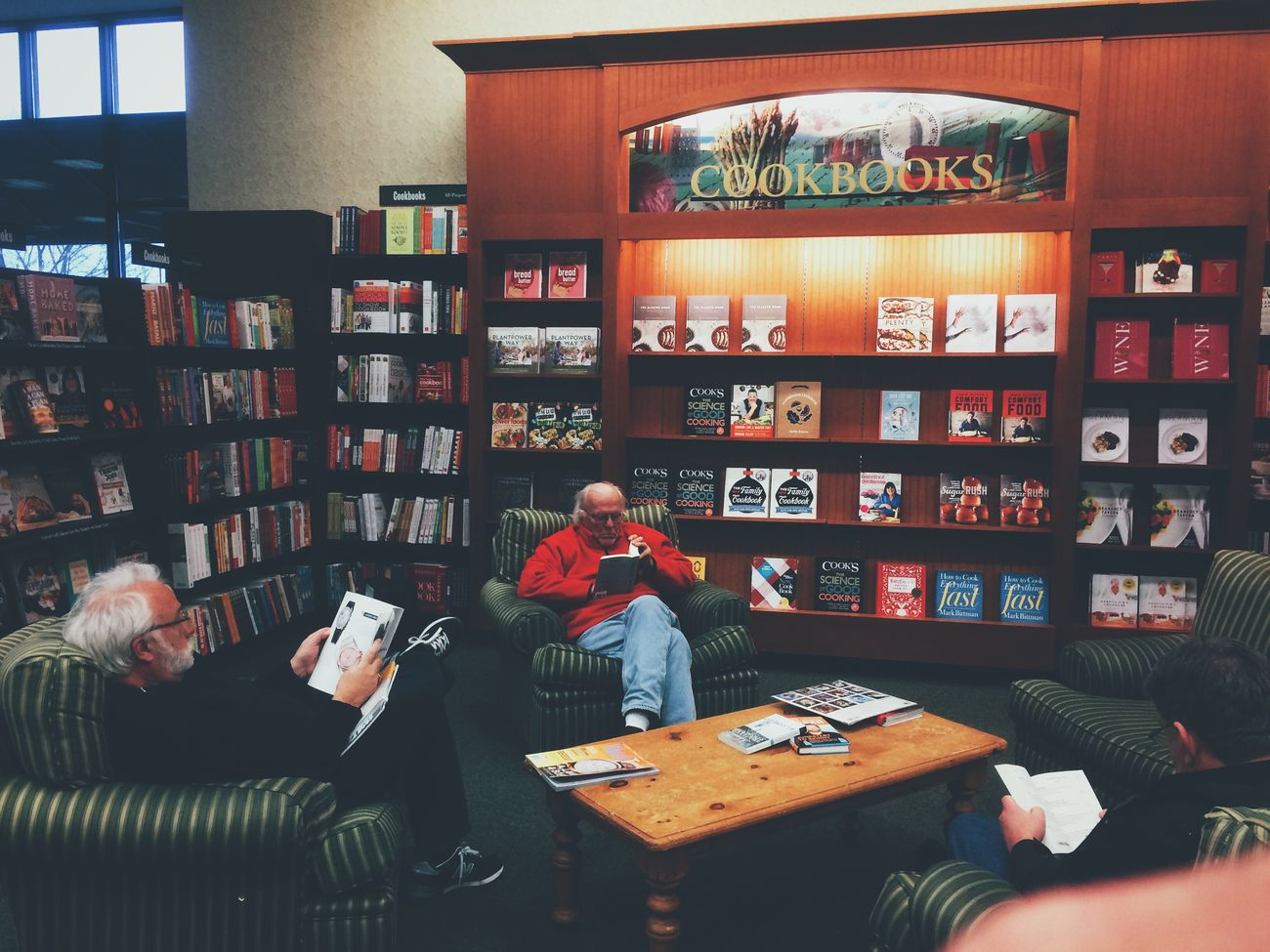 Old Men Reading Relaxing IPhoneography Vscocam