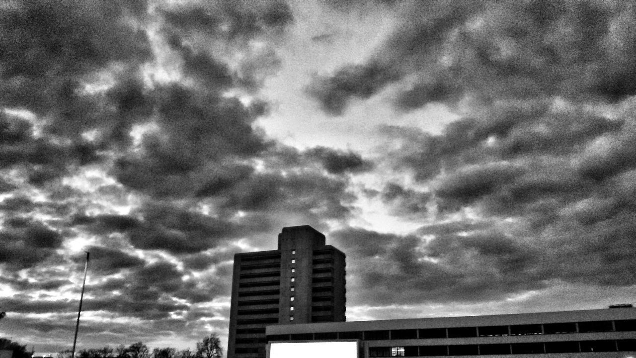 The city buildings can acquire a new personality when night falls. Buildings City Escape Low Light Grey Grainy Images Sky Landscape Welcome To Black Welcome To Grey City Southampton Clouds