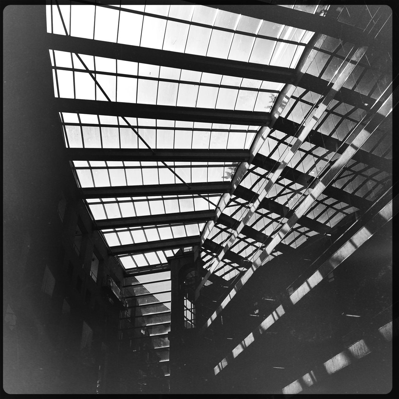 Mobilephotography Reflection Blackandwhite Architecture IPhoneography Hipstamatic