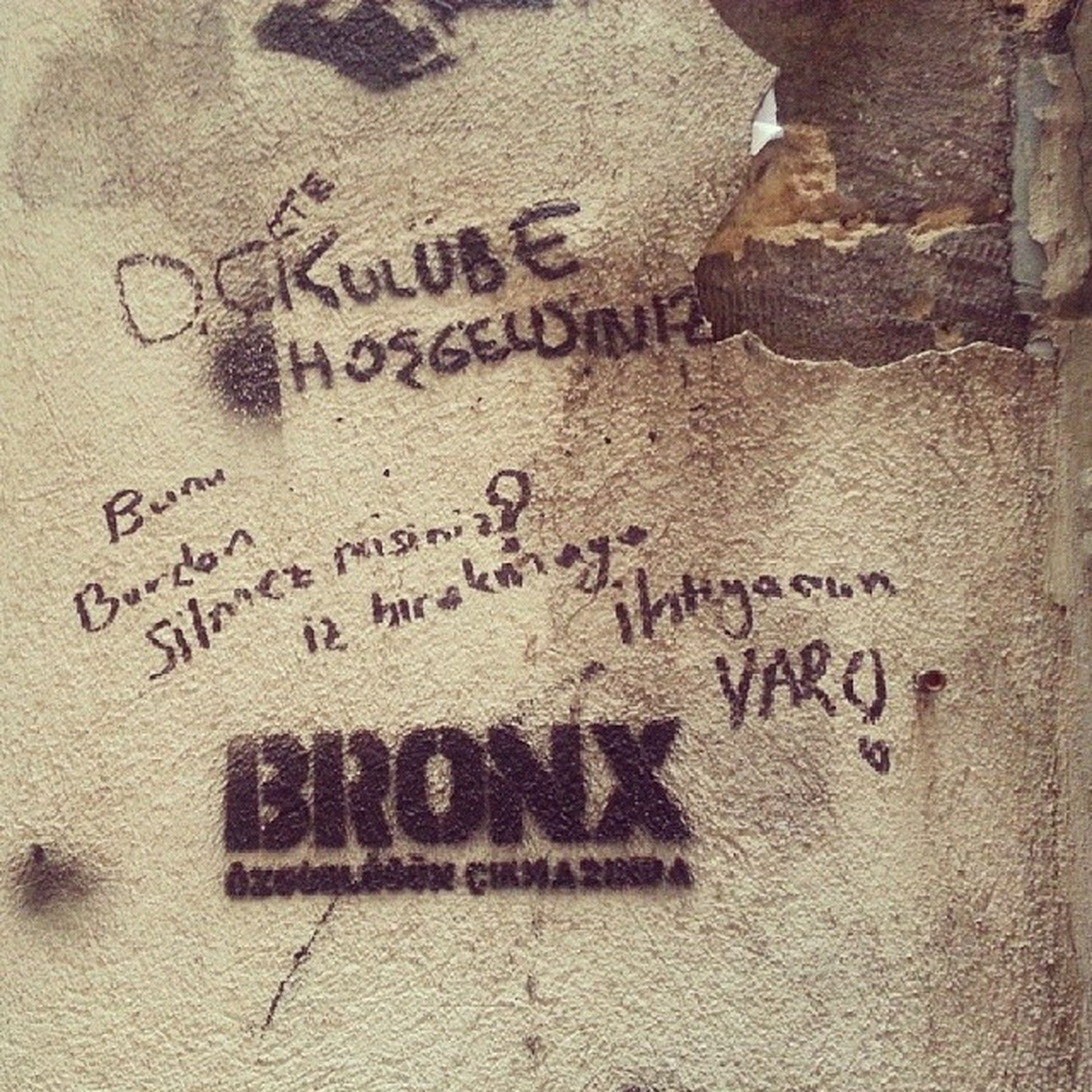 Grafiti Art Urban Wall streetart graff streetartistry street spray buildinggraffiti wallart rue streetphotography instagraffiti urbano artist colour tagstagram color handmade instalike istanbul beyoglu animation imagen arte collage blue instapic snk