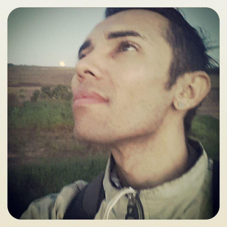 Na volta pra casa depois da primeira apresentação da Junina Oxente Paraíba, foi maravilhosa, e Deus me mostra essa paisagem bela... Um cheiro na lua, um novo aroma em minha vida.