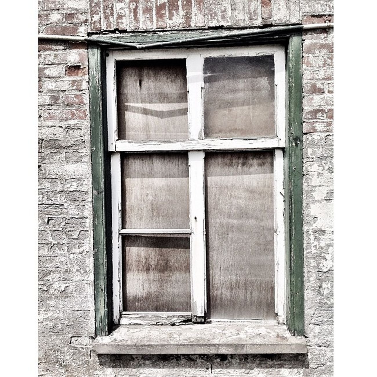 Hello friends, If you like snapping urbex, urban, cloudscapes and bw shots Instaaaaah Urbexphotography Windows Igdungeon Minimal Detailsofdecay Window Windowsill Minimalism Royalsnappingartists Texture Igville Urbex Simplistic Simplicity Urbexjunkies Minimalove Urbanexploring Minimalist Instaxplore Urbandecay Texturama Texturextreme Igville_decay Filthyfeeds Urbexers Windowshotwednesday Windowsonwindows Minimalistics