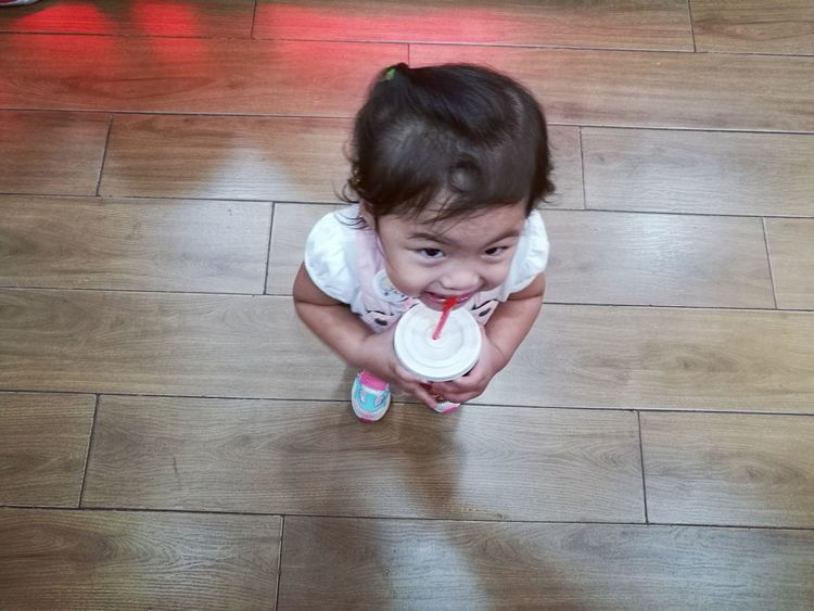 Baby Babygirl Smile Minor Cutecurls Wood One Person Lookup P9 Huawei P9photography P9leica Childhood