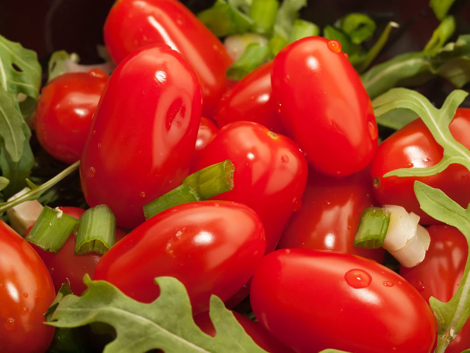 Backgrounds Close-up Day Food Food And Drink Freshness Full Frame Green Color Healthy Eating Indoors  No People Red Red Bell Pepper Tomato Vegetable