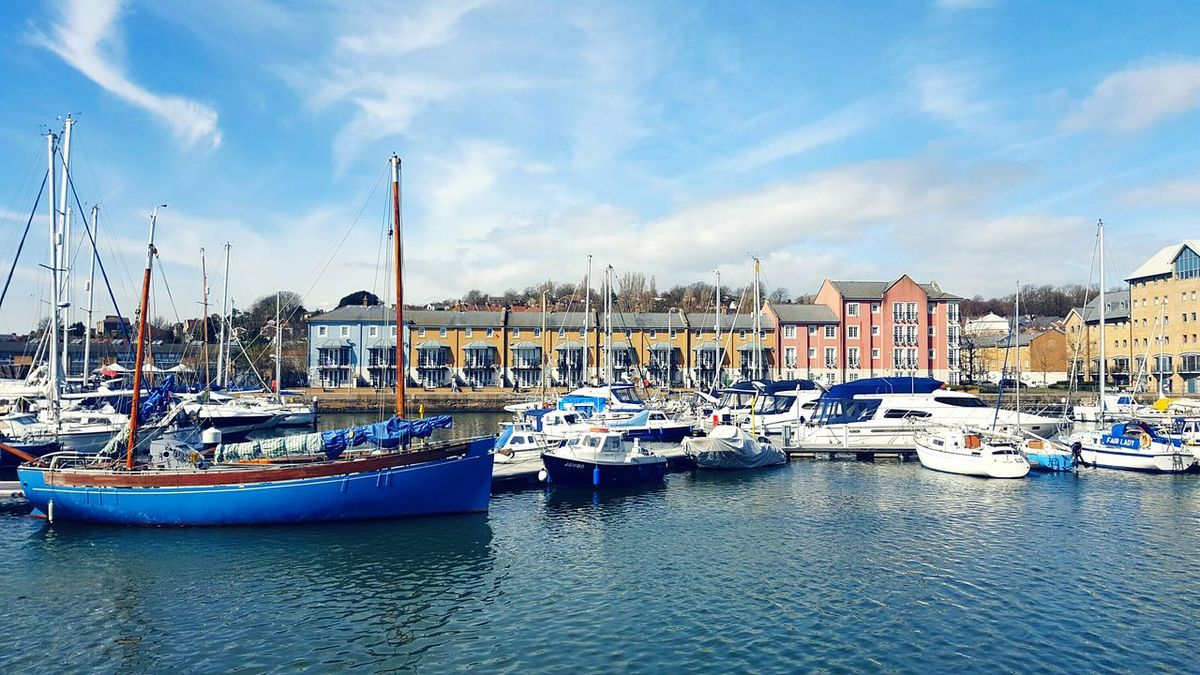 Easter weekend!! BOATS💕✌❤⛵🛳⚓Landscapes With WhiteWall Blue Sky Here Belongs To Me Capture The Moment England Water Reflections Water Landscape Sky And Clouds Boats Taking Photos Boats In A Line Marina Houses By The Sea Eyem Best Shots Check This Out Sky Blue Wave Docks