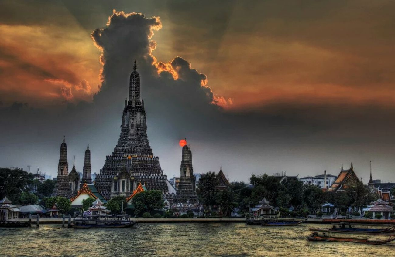 Wutarun Bhudha Bangkok Thailand Photography Phone Taking Photos Hello World Enjoying Life