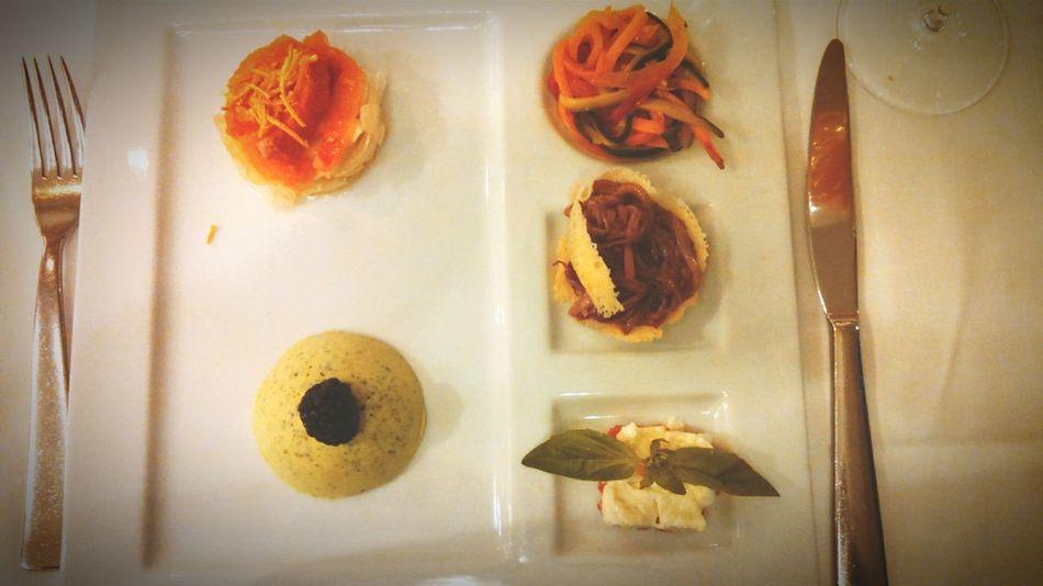Le Bistrot De Venise Oignon Parmesan Foodporn Gastronomy Venitian Gastronimie Venitienne Gastronomy Restaurant Venise Petitslegumes Tomate Mozzarella Bavarois Courgette