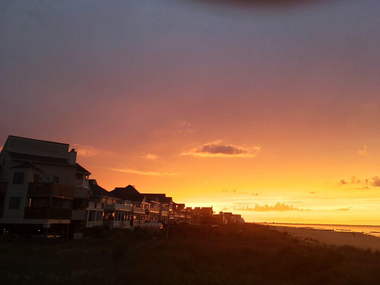sunset, architecture, building exterior, built structure, sky, house, outdoors, no people, beauty in nature, nature, city, day