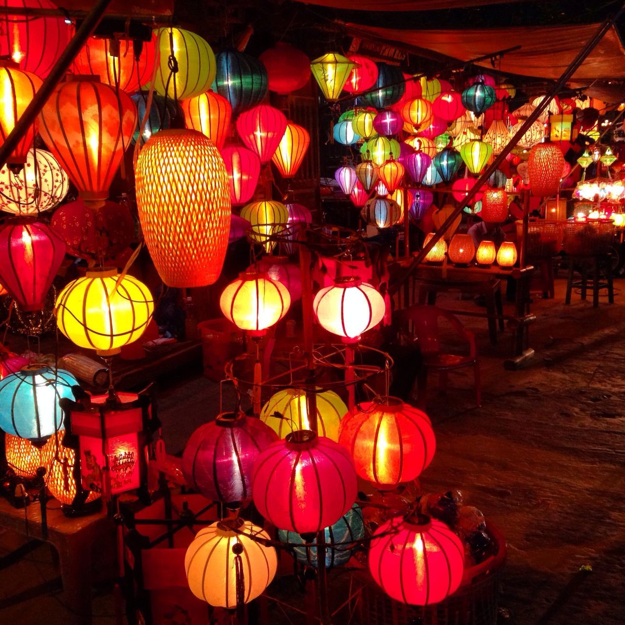 illuminated, lantern, lighting equipment, hanging, decoration, chinese lantern, night, cultures, celebration, traditional festival, chinese lantern festival, large group of objects, tradition, no people, outdoors