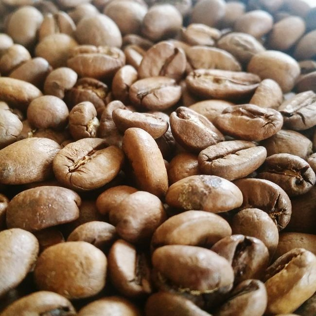 Food And Drink Coffee Bean Selective Focus Close-up Freshness Full Frame Backgrounds Brown Coffee Break Coffee Time Coffee Sunday Morning Sundaymorning Rise And Shine Breakfast A Bird's Eye View