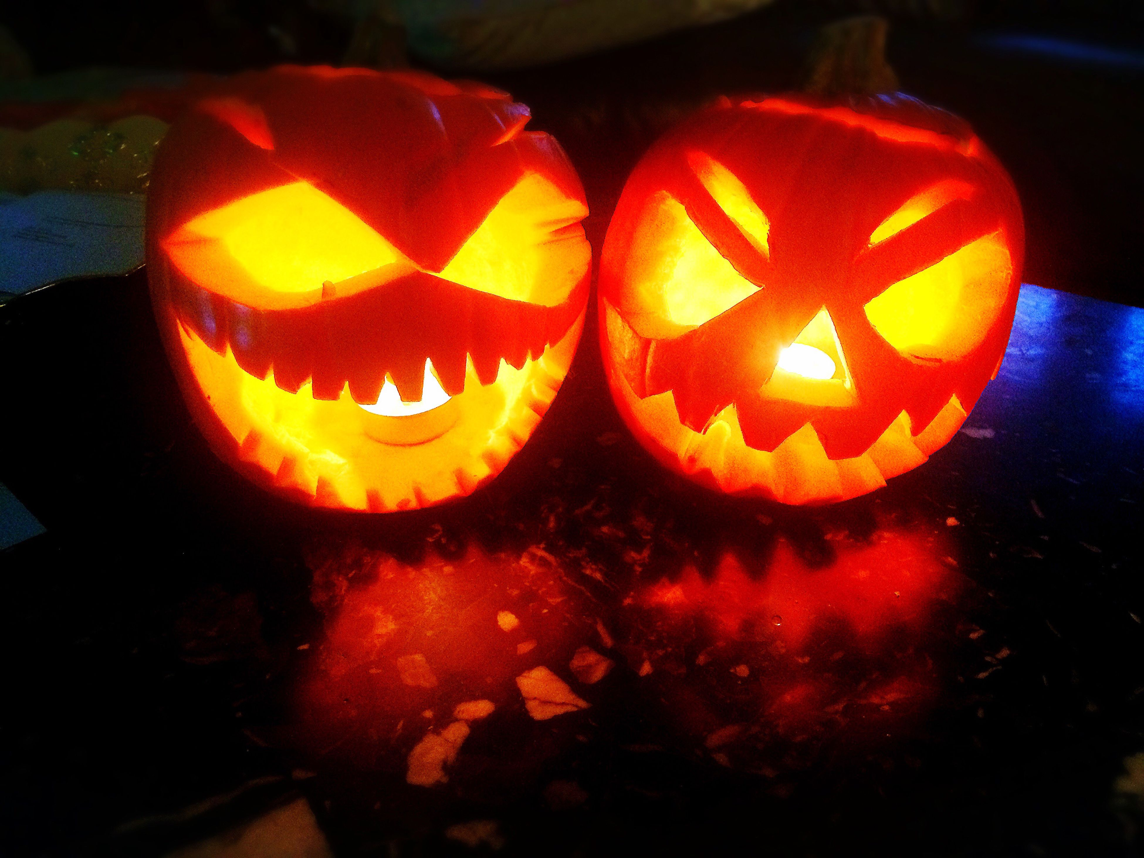 illuminated, anthropomorphic face, halloween, pumpkin, night, celebration, jack o lantern, tradition, close-up, food, no people, indoors