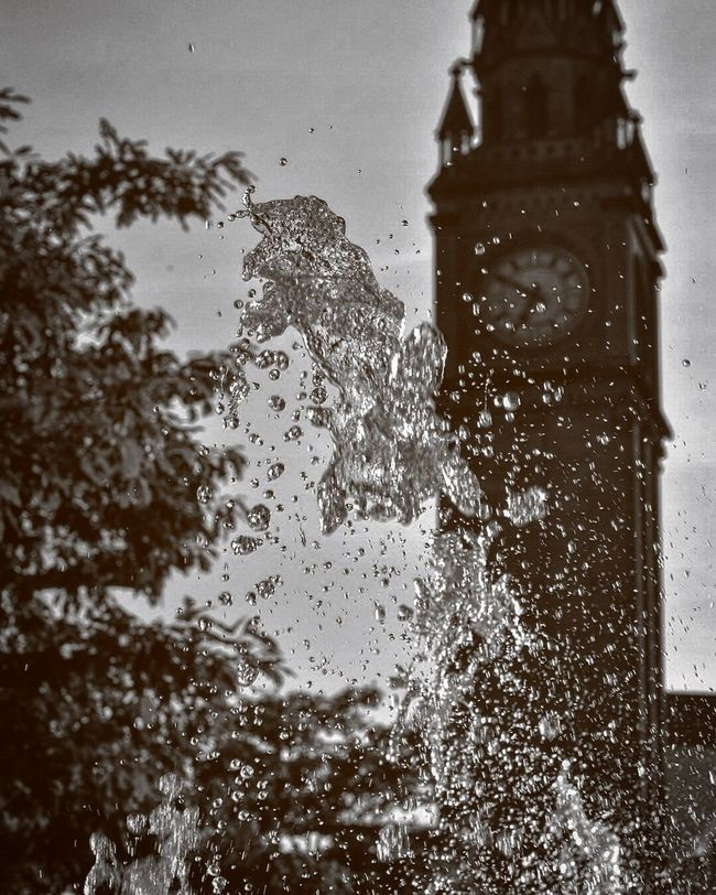 Backgrounds Clock Clock Tower Close-up Day Detail Droplet Focus On Foreground Fountain Nature Nikkor Nikon Nikonphotography No People Season  Street Street Photography Wet Worldphotographyday
