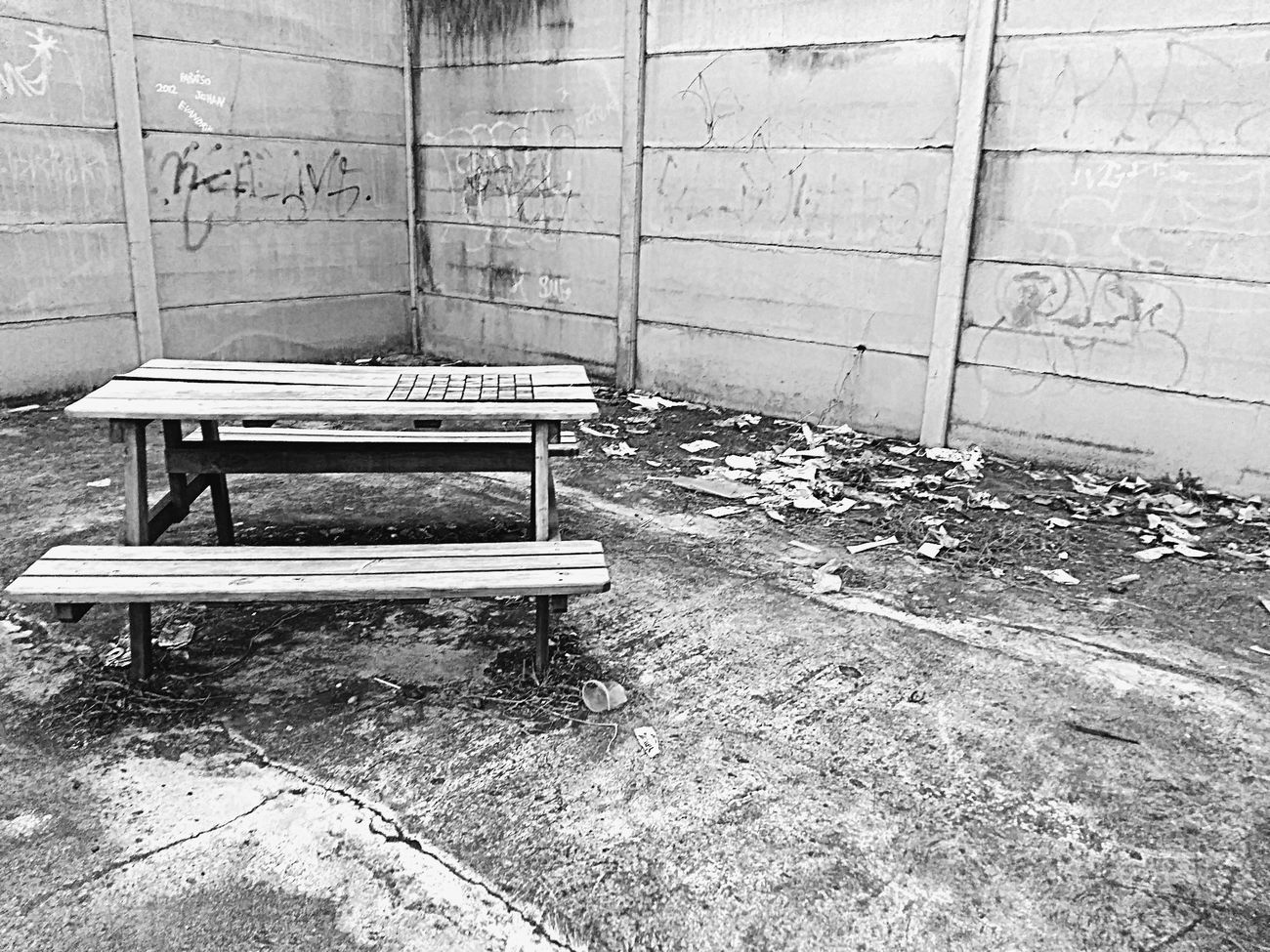 Hello World Parkbenches Benches Blackandwhite Garbage Taking Photos