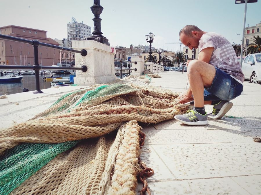Fisherman Reti Porto Bari Man Green Pescatore People And Places People And Places.
