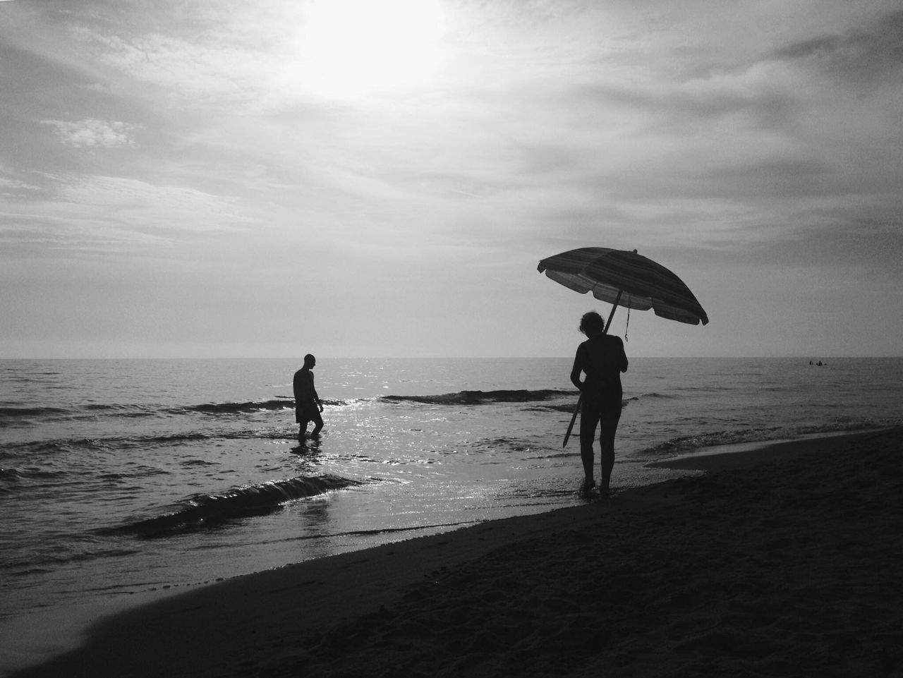 Monochrome Photography EyeEm Great Atmosphere EyeEm Best Edits Blackandwhite Bw_collection Streetphoto_bw Bws_worldwide EyeEm Bnw Streetphotography Street Street Photography B&w Street Photography Sea Beach Tranquil Scene Italy