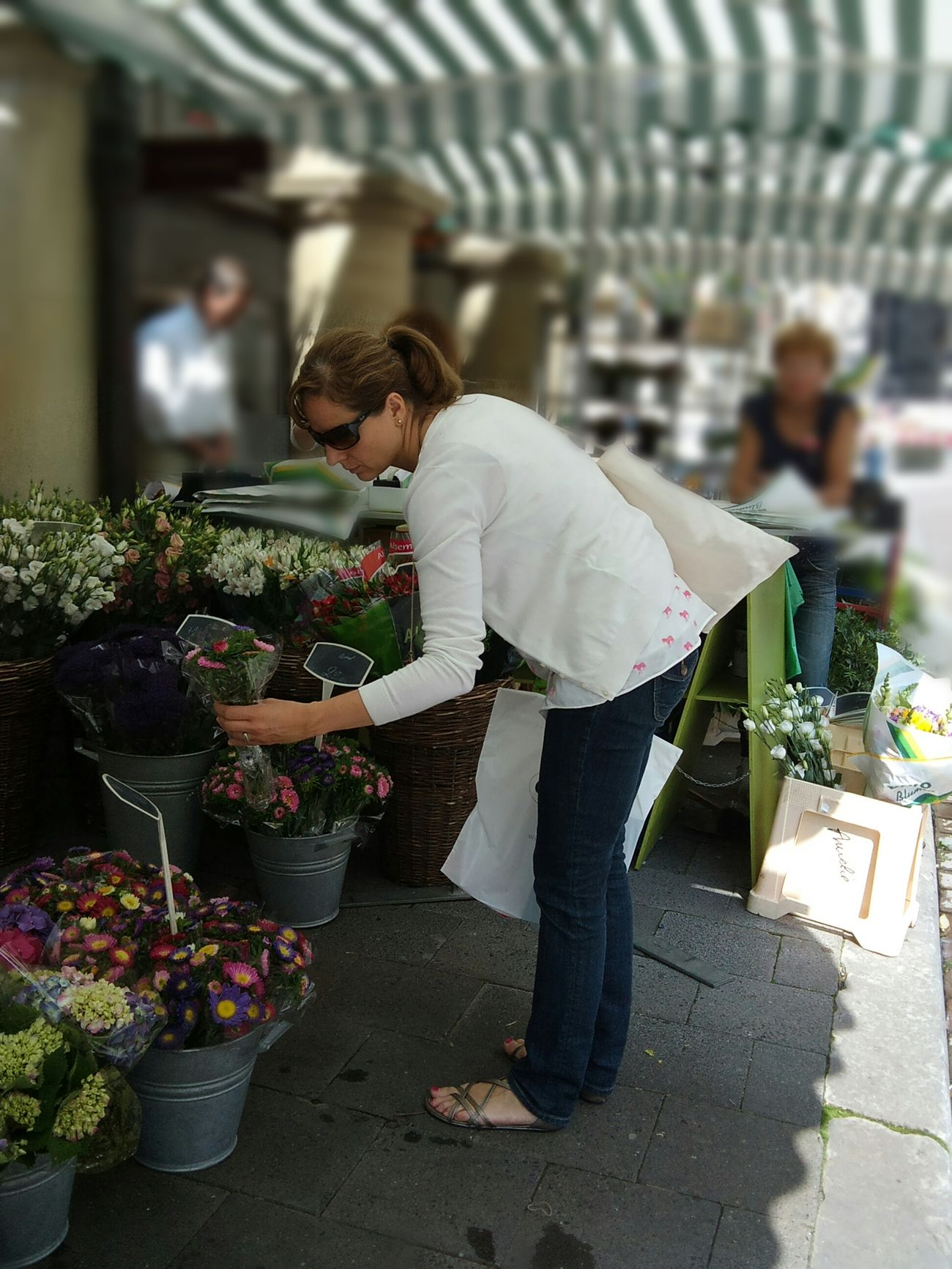 Full Length Adults Only Small Business Real People People Adult Only Women Day Tradition Market Place Flower Shop Flowers