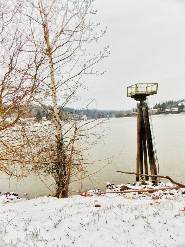 Taking Photos Watch Tower Milwaukie OR. Clackamas River Enjoying Life Snow ❄