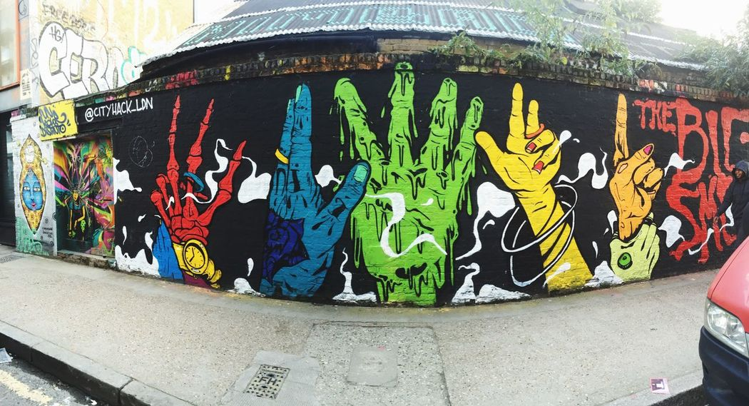 So in love with the art.❤️ Graffiti ArtWork Signlanguage LONDON❤ Appreciation Beautyinthestreets