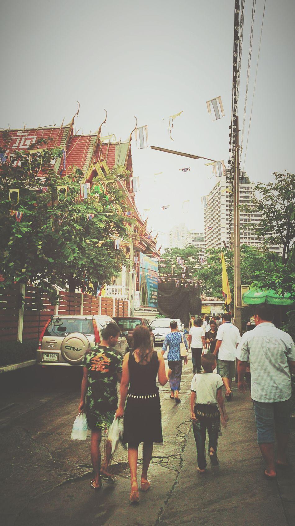 give alms in asarnha bucha day Doinggood Givealms Makemerits Life Traditional Thailand_allshots