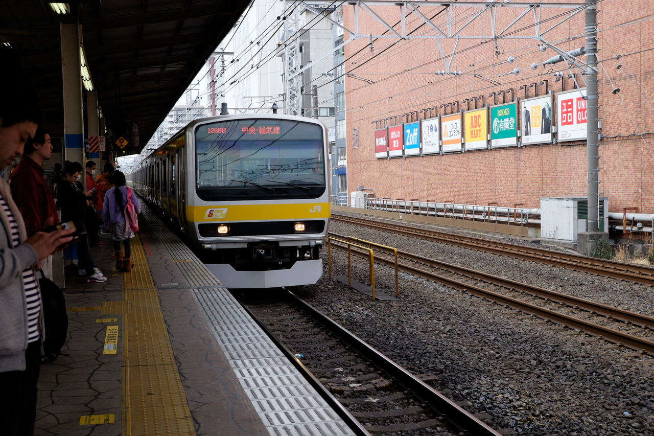 亀戸駅 Fujifilm Fujifilm X-E2 Fujifilm_xseries Japan Japan Photography Tokyo Train Train Station XF18-55mm 亀戸 亀戸駅 日本 東京 総武線 電車
