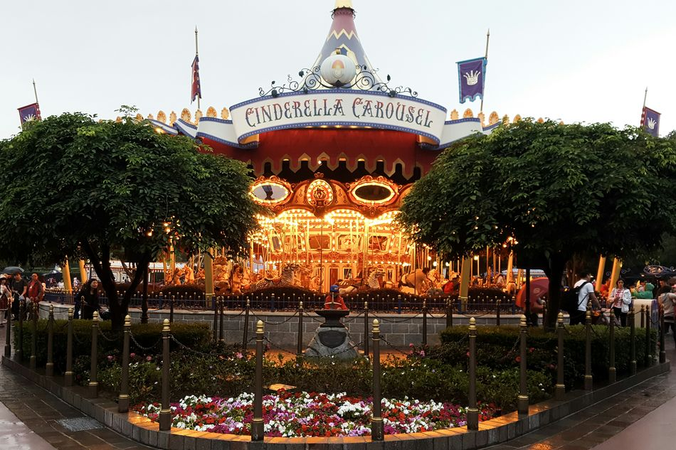 cinderella carousel Architecture Carousel Carousel Horse Carousel Horses Carousel Ride Cinderella Cinderella Carousel City Disneyland Having Fun Hong Kong Illuminated Kids Kids Playing No People Outdoors Park Play Playing Riding Sky Theme Park Travel Destinations Tree Vibrant Color