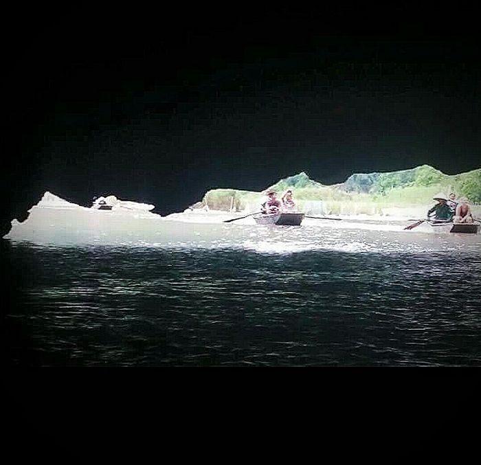 Sampans Light Cave Tam Coc Hoa Lu Viet Nam