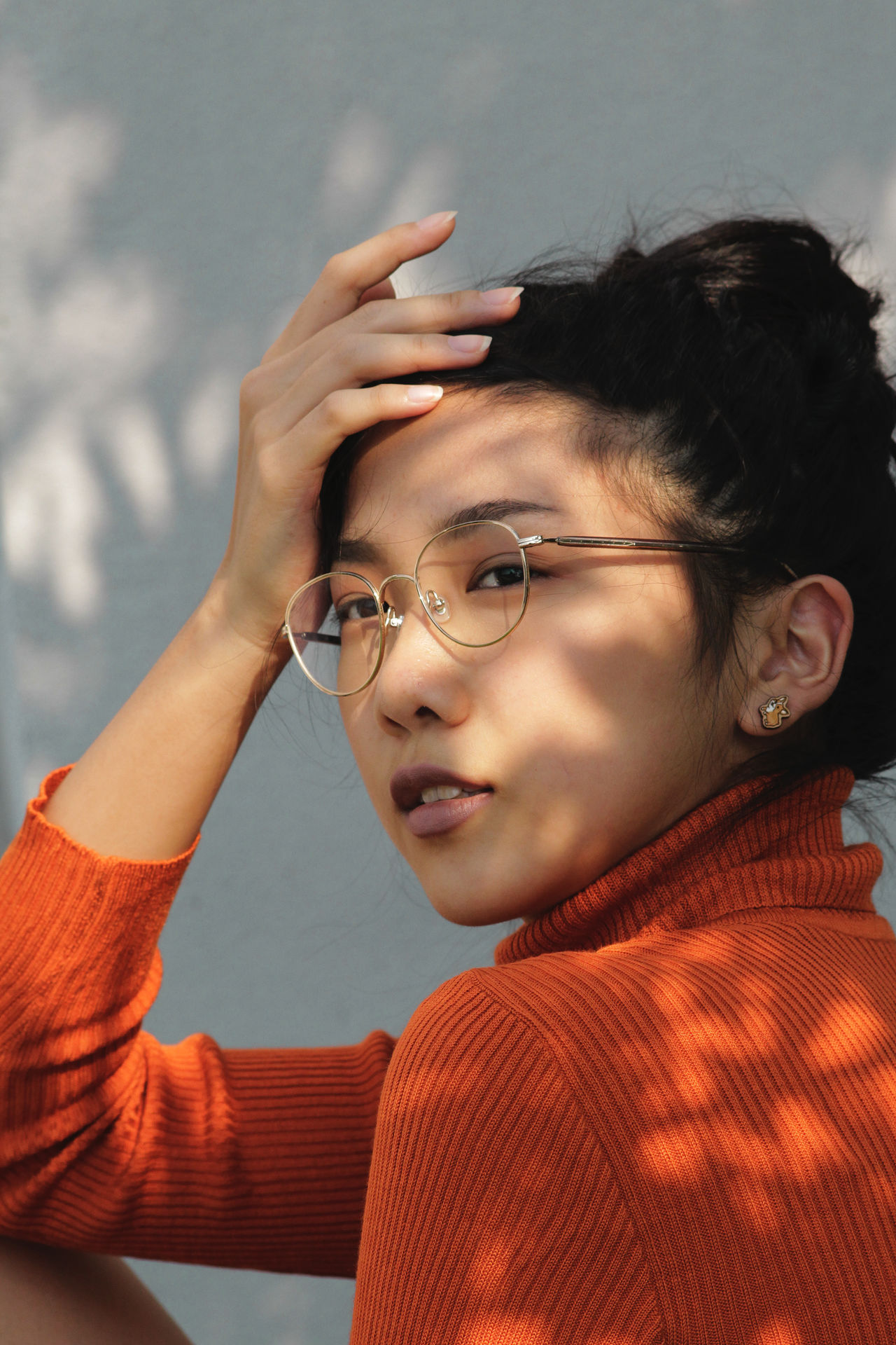 Turtleneck Asian Beautiful EyeEm Best Shots Faces of EyeEm Freshness Love Orange Portrait of a Woman Portraits Shadows & lights TheWeekOnEyeEM Tranquility Woman beauty in Nature close-up day face mood one person portrait real people shadow urban women young adult The Week on EyeEm