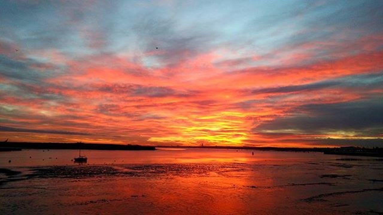 Photo by me with LG G3. 🌄🌅 Sunset UHD 2k Camera Background Sky Orangesky Reflection Bogdann2309 Photo Photooftheday Photography Instagood Instagram