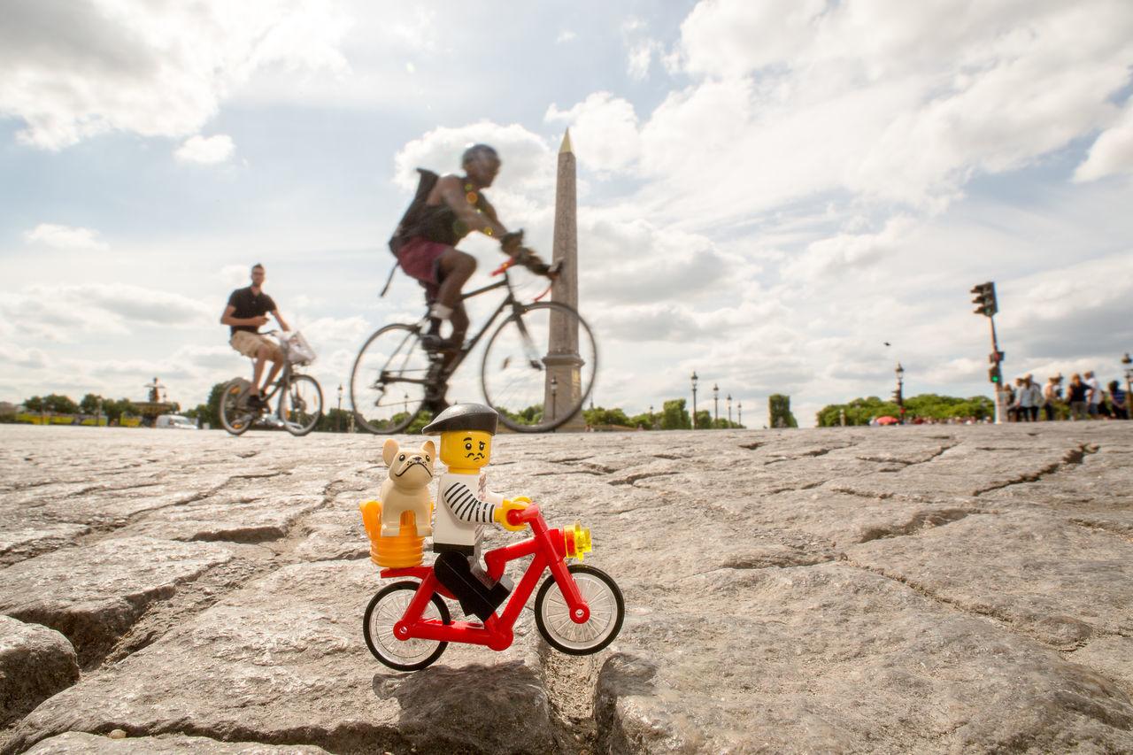 j'aurais dû mettre un short Paris Bicycle Riding Motorcycle Headwear Cloud - Sky Cycling Sports Helmet Biker Sky Velo Sports Clothing LEGO