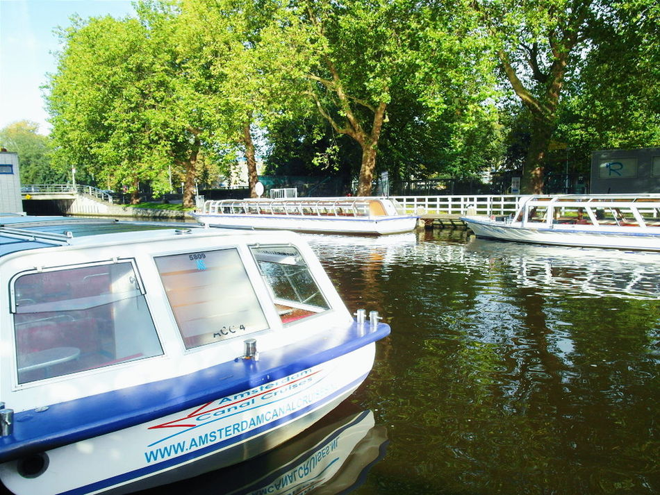 Your Amsterdam Amsterdam River Relaxing Enjoying Life Wanderlust Travel Wanderer Explore Blue Wave Showcase April Cruises Riverside Discove Sunny Nature EyeEm Nature Lover Amsterdam Canal Boating River View
