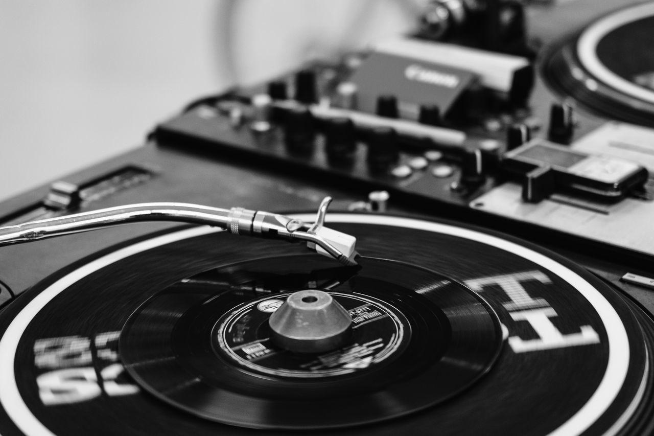 vinyl Blackandwhite Close-up Day Dj DJing Indoors  Minute Hand Monochrome No People Record Record Player Needle Technology Vinyl