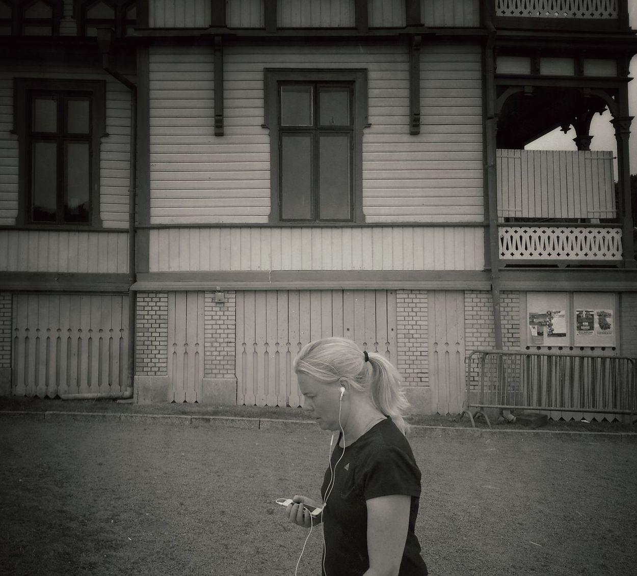 Street Life Streetphotography Facedown_generation Summer Girls Streetphotos