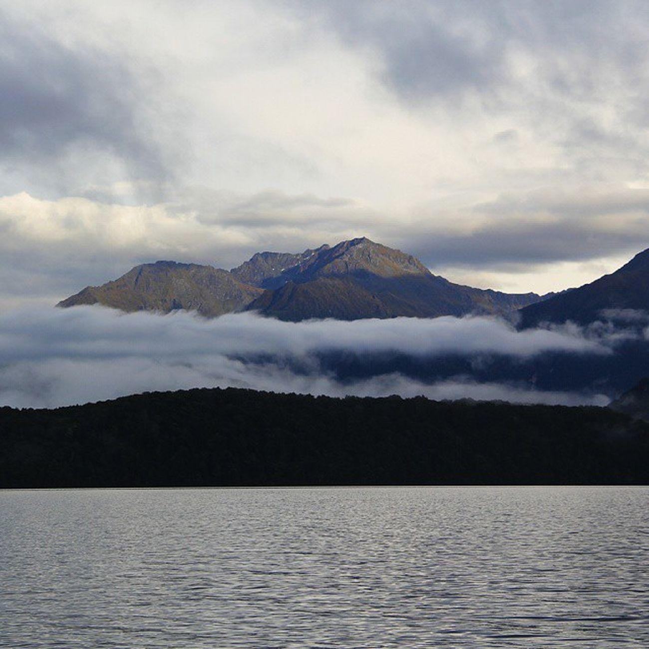 Mountain Laketeanau TeAnau Fiordlandnationalpark ontheway southland southisland newzealand nz