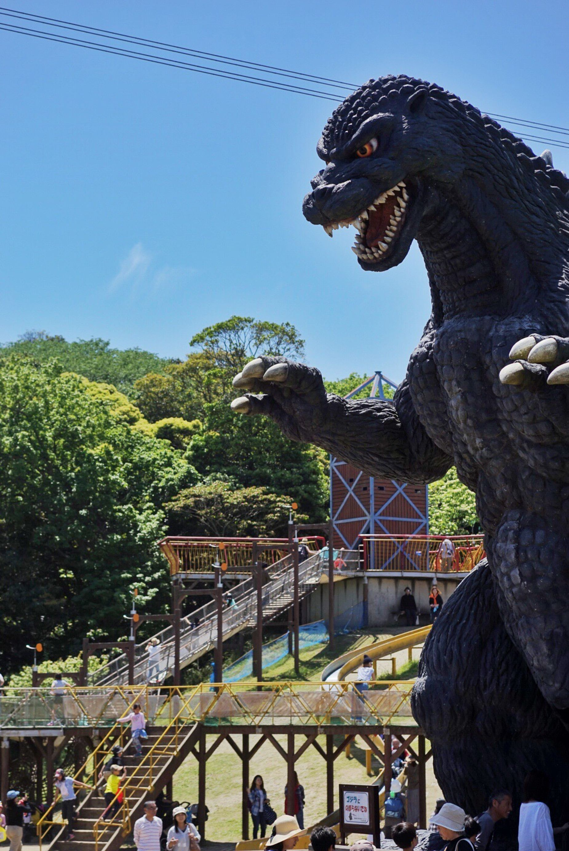 Sculpture Statue Animal Representation Art And Craft Dinosaur Day Outdoors History Sky Built Structure Animal Themes Architecture No People Lion - Feline Tree Nature Nature Collection Gozzira Kaiju Blue Sky EyeEm Best Shots
