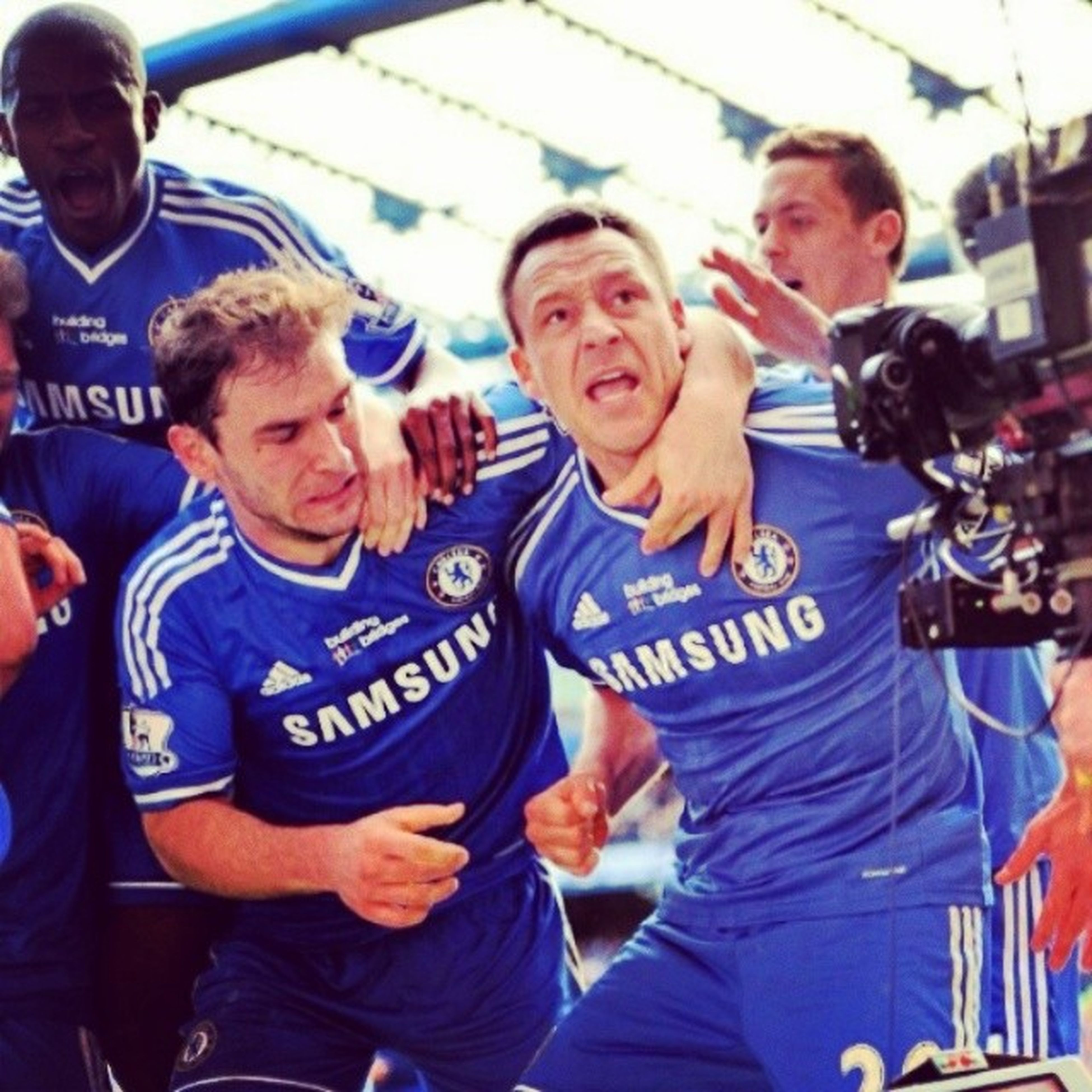 Yupiee Chelsea wins 3-1 against FulhamTop of the TableBarclays Premiere LeagueFull supportDeserved winner
